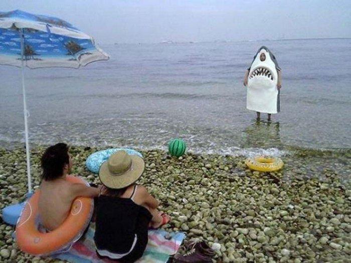 нравится Смешные пляжные фотографии ...: xaxa-net.ru/umor/1182-smeshnye-plyazhnye-fotografii.html