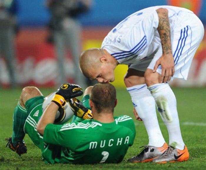 Смешные фотографии с футбольных матчей