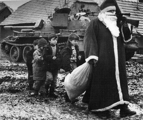 Американские солдаты празднуют рождество
