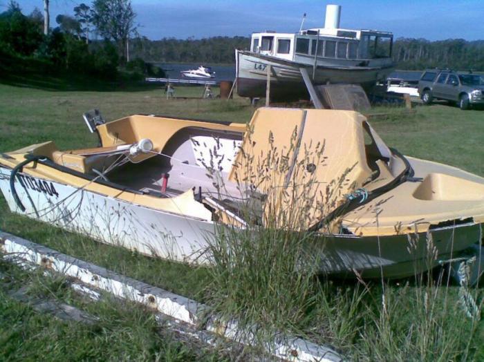 Прикольная машина-лодка сделанная своими руками