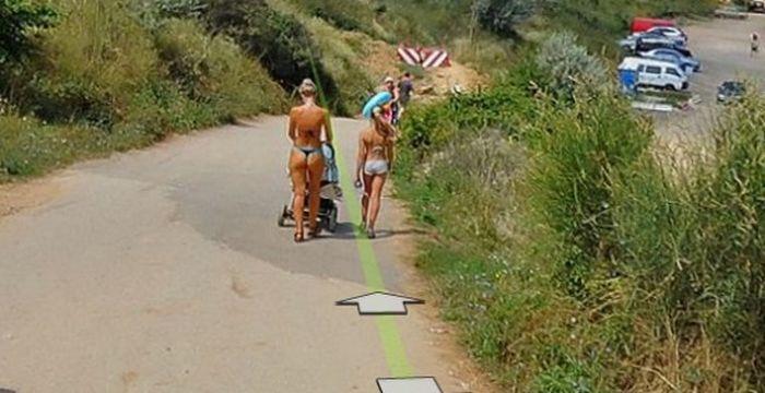 Девушки на Google maps