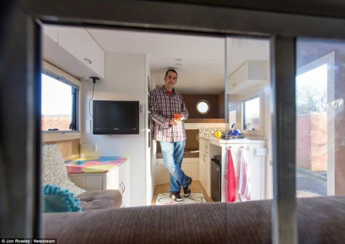 Самодельный дом на колёсах - фотографии интерьера