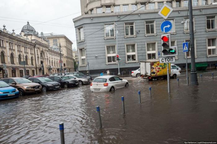 Потоп в Москве - свежие фото