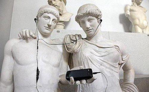 Прикольные фото с памятниками. Весёлые картинки