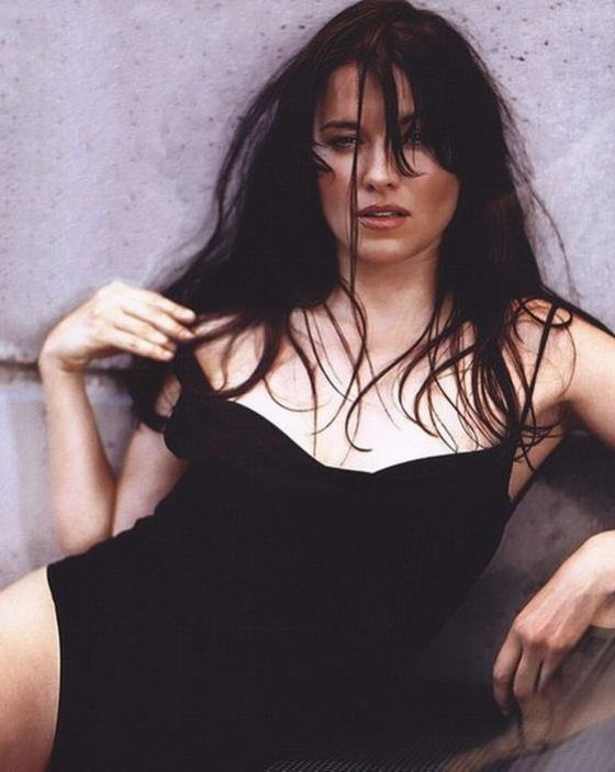 Люси Лоулесс во всей своей красе. Фото Зены