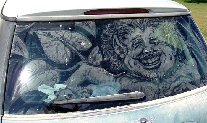 Рисунки на стёклах автомобилей. Грязные машины