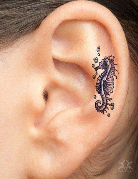 Оригинальные тату на ушах. Красивые картинки