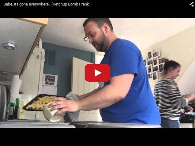 Как весело залить кетчупом кухню. Розыгрыш жены