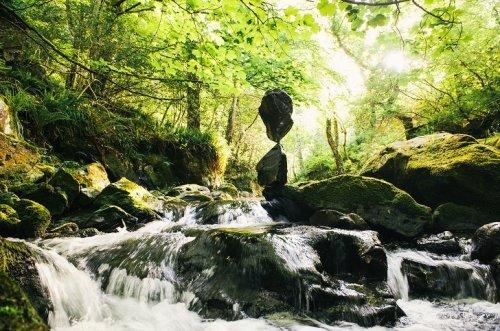 Балансирующие камни Эндриана Грея. Красивые картинки