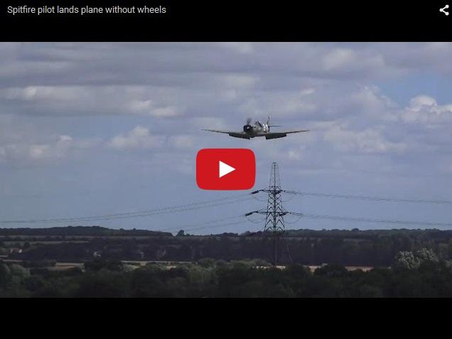 Летчик-ас посадил самолет без шасси на