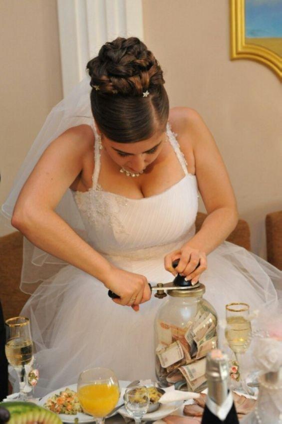 Хороший тамада и интересные конкурсы. Смешные картинки со свадеб