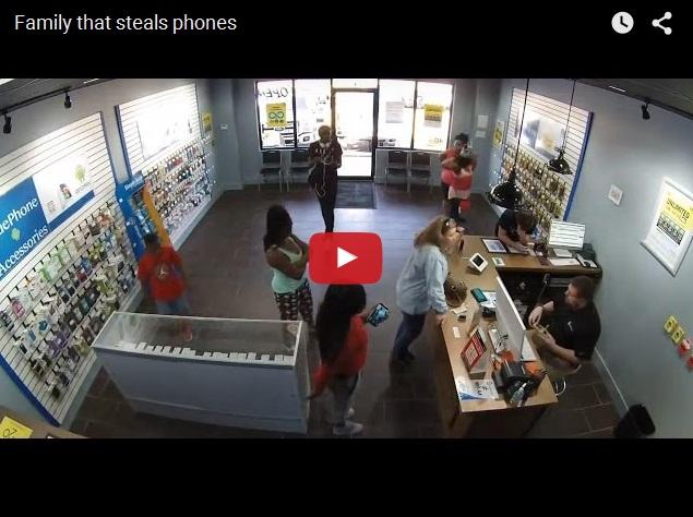 Как воруют телефоны всей семьей