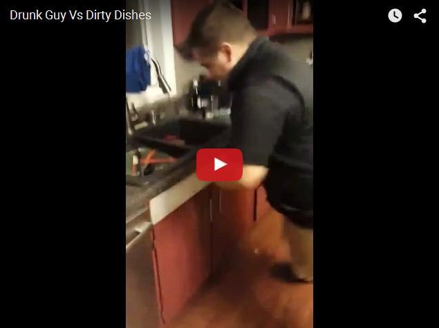 Пьяный придурок против посуды