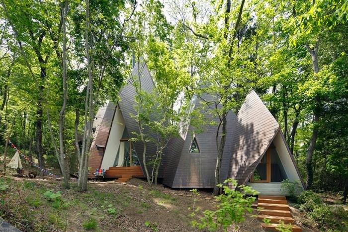 Красивый лесной домик в Японии. Путешествия по миру