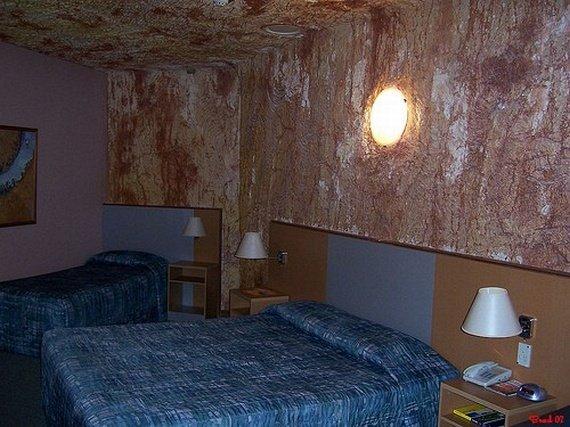 Необычная подземная гостиница