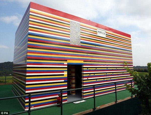 Прикольные сооружения из LEGO