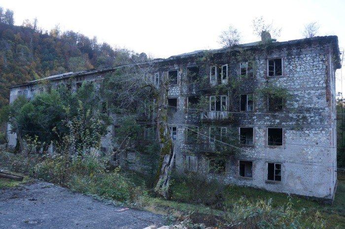 Ткварчели - заброшенный и забытый город