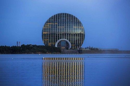 Необычные круглые здания. Красивые фото