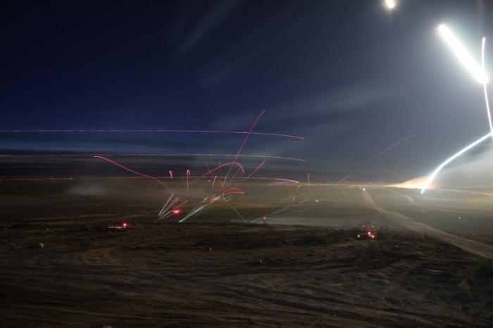Фотографии ночного боя. Красивые фото