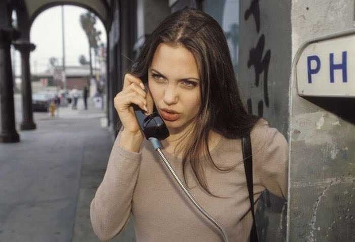 Анжелина Джоли 15 лет назад