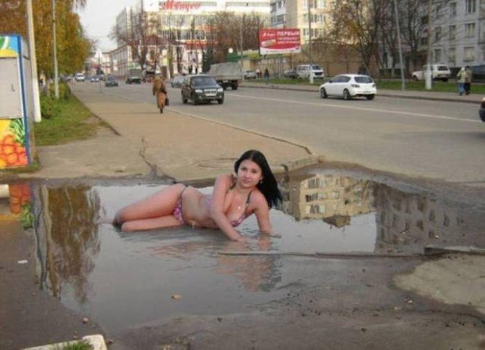 Фотомодели в необычных позах. Странные девушки