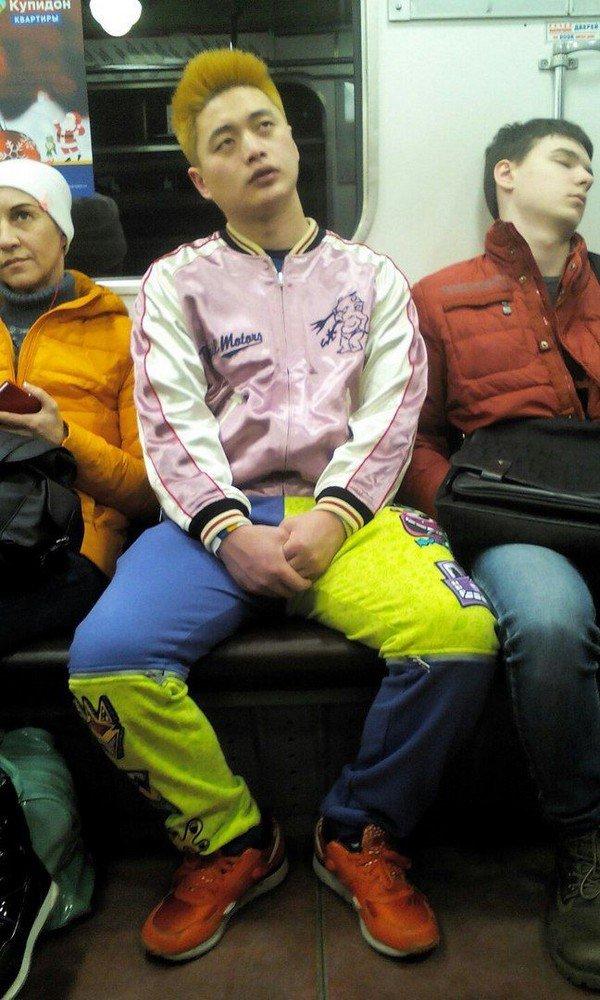 Самые модные люди в метро. Убойная подборка