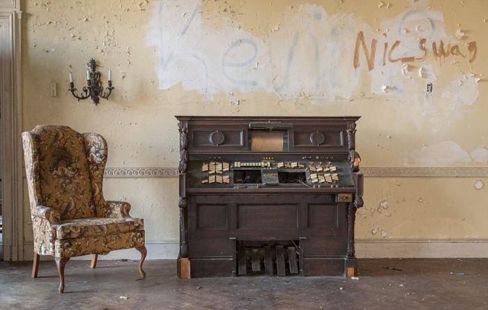 Пустой особняк под Нью-Йорком. Красивые фото