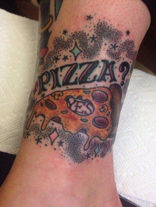 Татуировки любителей пиццы. Странное увлечение
