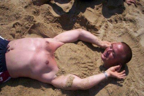 Весёлые фотографии с пляжей всего мира. Прикольные фотки