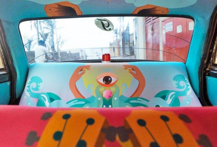 Прикольные салоны такси в индийском Мумбаи