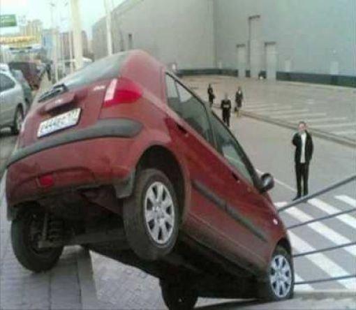 Женщины и автомобили. Прикольная фотоподборка