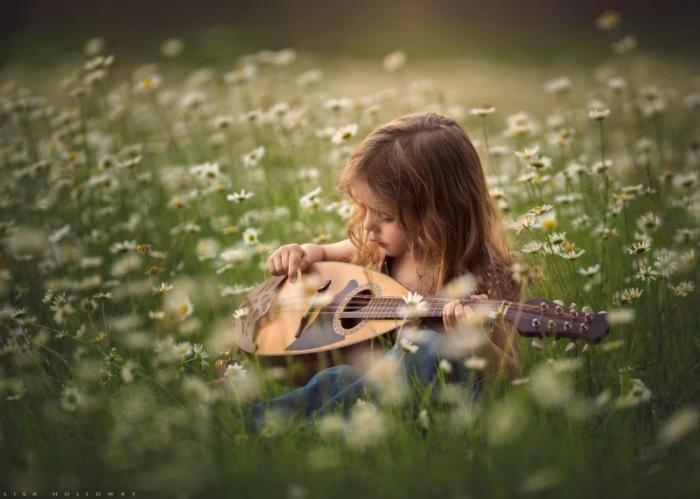 Красивые снимки детей от фотографа Лизы Холлоуэй
