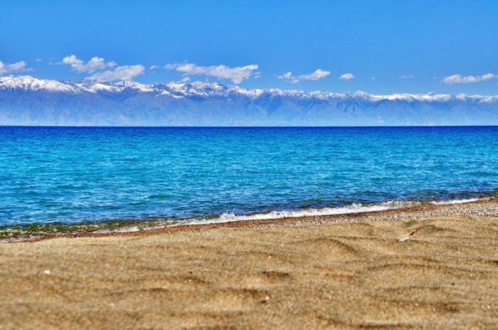Самое большое и красивое озеро в Киргизии