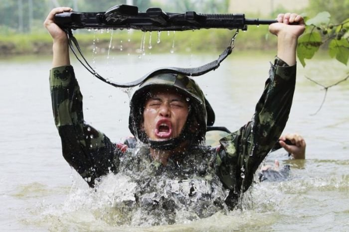 Суровые тренировки китайских солдат
