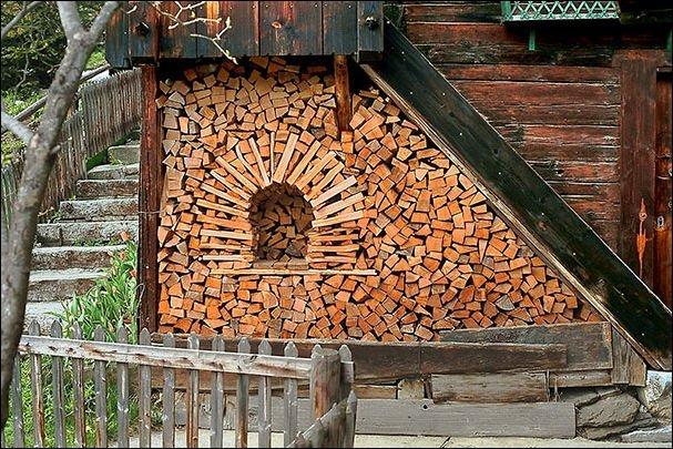 Фигурное выкладывание дров. Прикольное хобби
