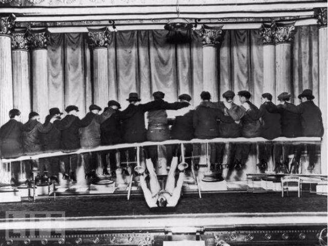 Подборка самых безумных трюков середины прошлого века