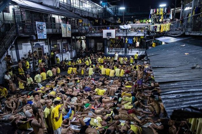 Переполненная тюрьма на Филлипинах