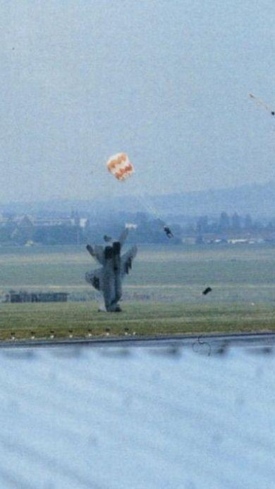 Как катапультируются пилоты боевых самолетов