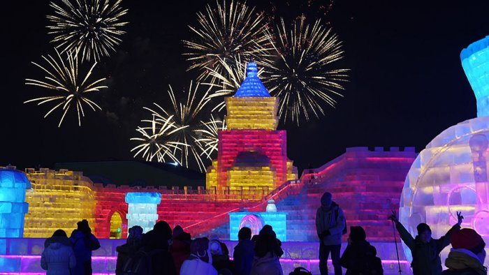 Фестиваль ледяных скульптур в Харбине