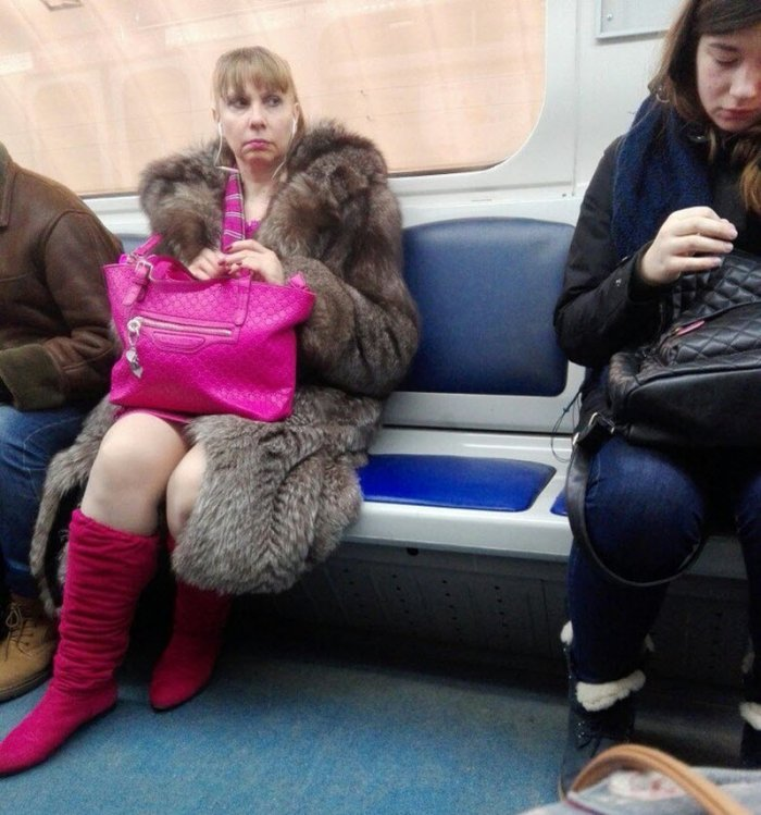 Свежая фото подборка модников в метро