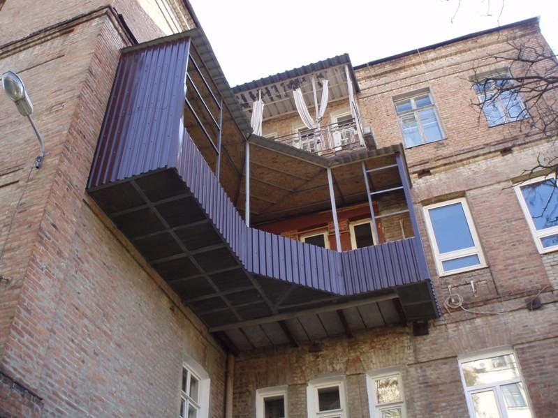 Построить балкон на 3 этаже.