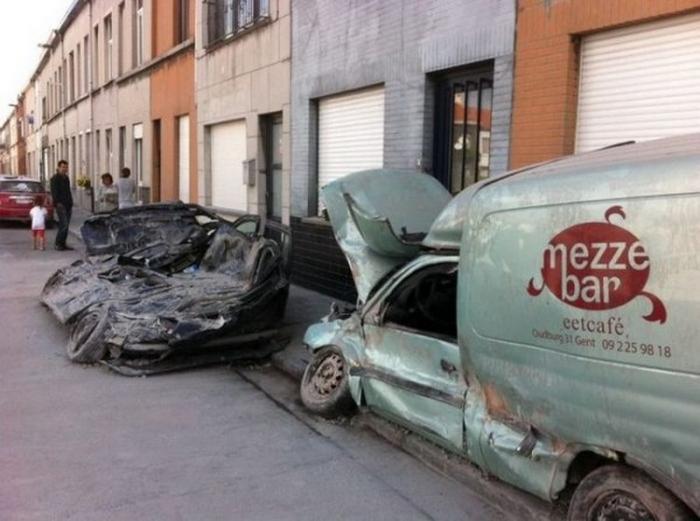 Вот что бывает, когда на автомобиль падает кирпич
