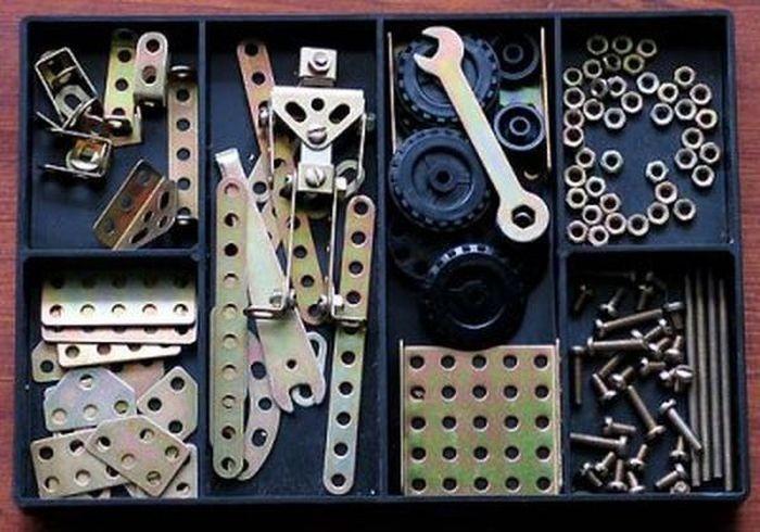 Что можно сделать из обычного металлического конструктора