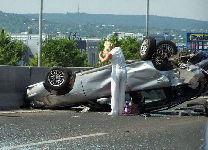 Тот момент, когда за рулем женщины - подборка автоприколов