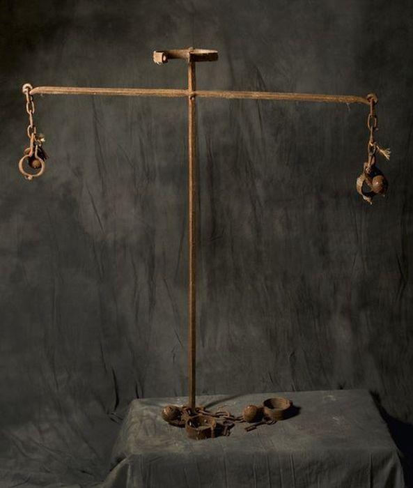 Средневековые орудия пыток хранившиеся в семье палачей четыре века