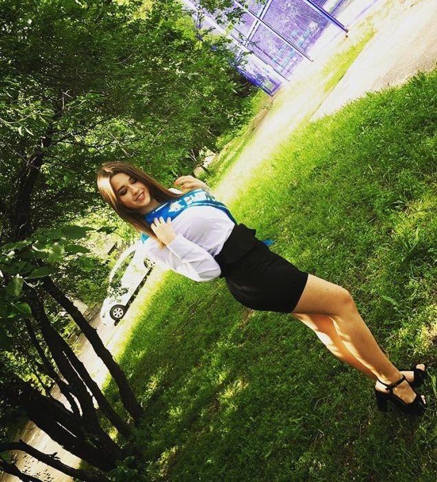 Самые красивые выпускницы 2017 года - фото с последних звонков