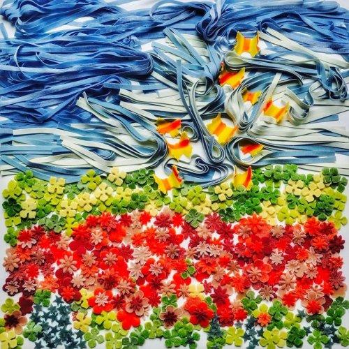 Необычные картины из пасты от художницы Линды Николсон
