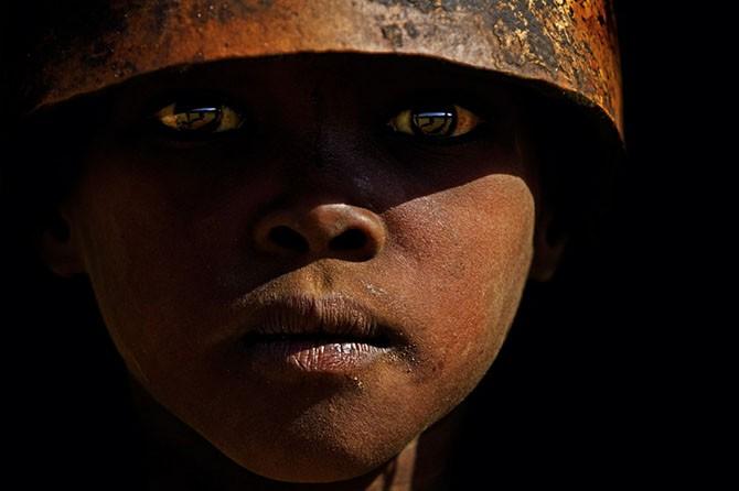 Глаза в глаза - фотографии смотрящих на вас людей