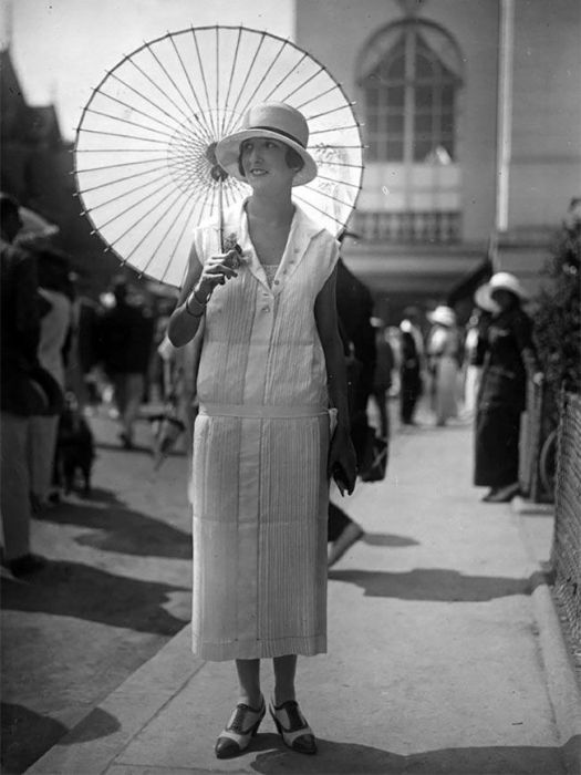 Как выглядели модницы 100 лет назад