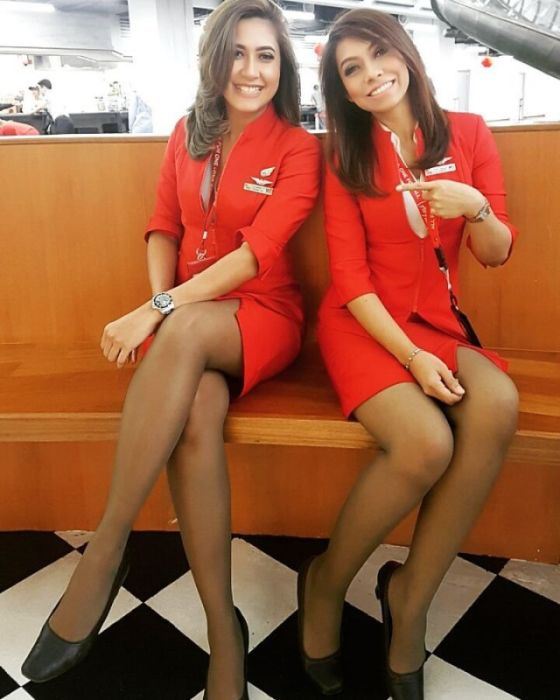 Красивые стюардессы бывают не только в кино